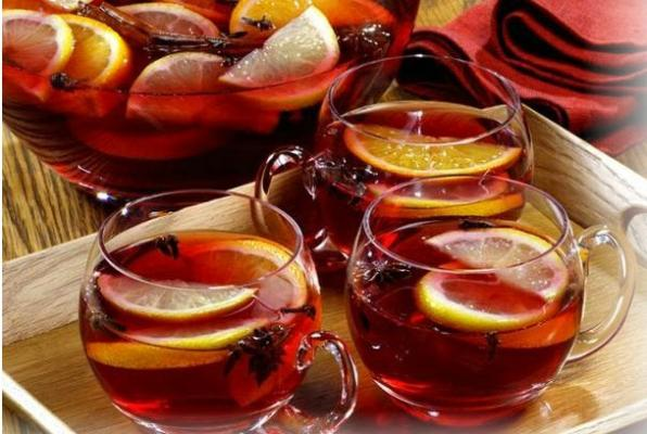 English Christmas Punch - The Daily Tea