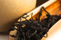 A scoop of Organic Red Jade Black Tea
